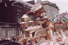 Punkinhead float; Eaton's parade 1953